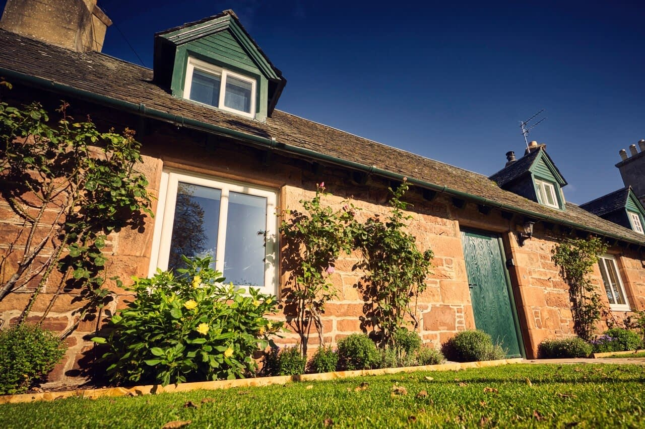 Bluebell Cottage exterior - Dunrobin Holiday Cottages, Caithness