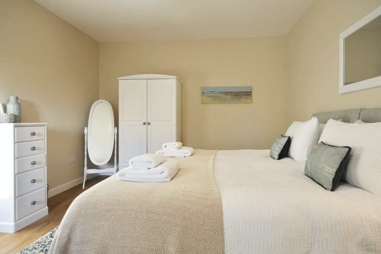 Double bedroom at Bluebell Cottage - Dunrobin Holiday Cottages, Caithness