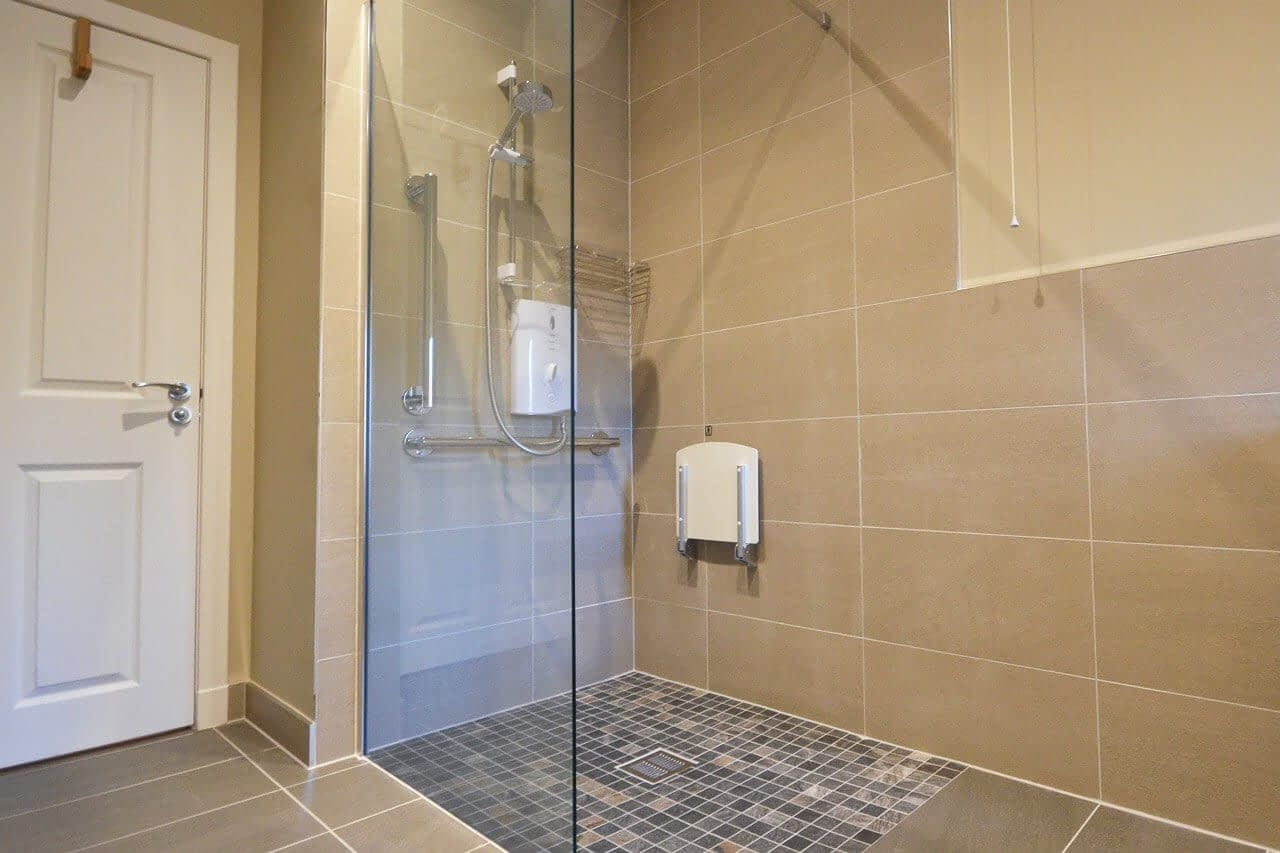 Shower room at Bluebell Cottage - Dunrobin Holiday Cottages, Caithness