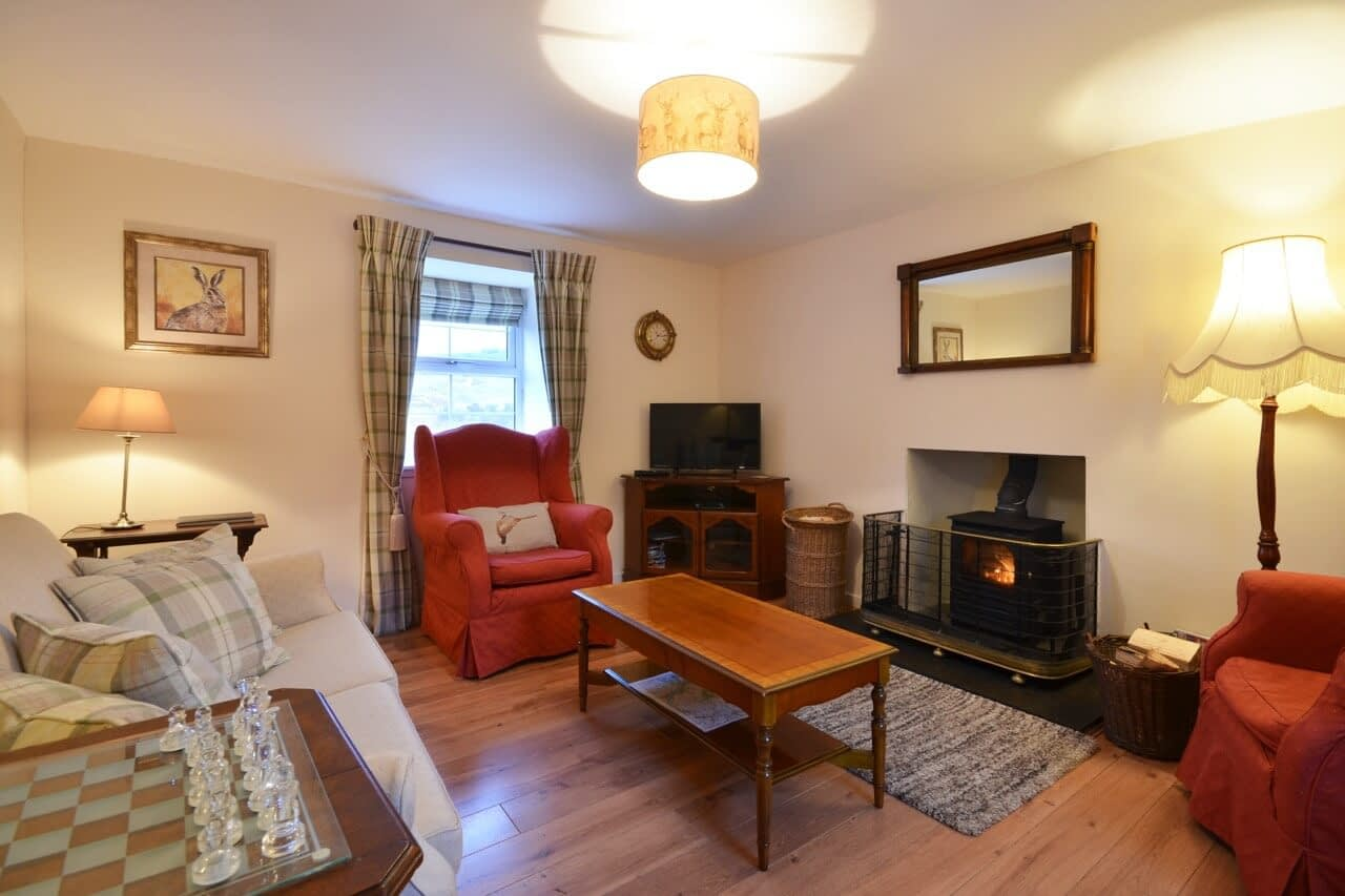 Sitting room Keepers Cottage - Dunrobin Holiday Cottages, Caithness