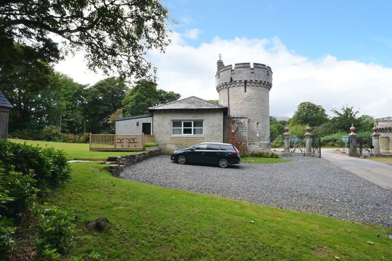 Car parking at Porter's Lodge - Dunrobin Holiday Cottages, Caithness
